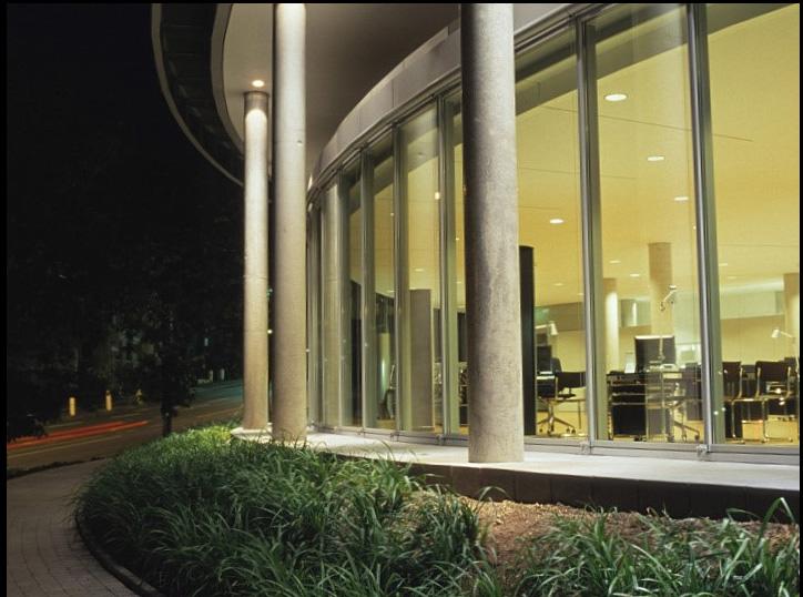 نورپردازی از داخل برای نمای شیشه ای